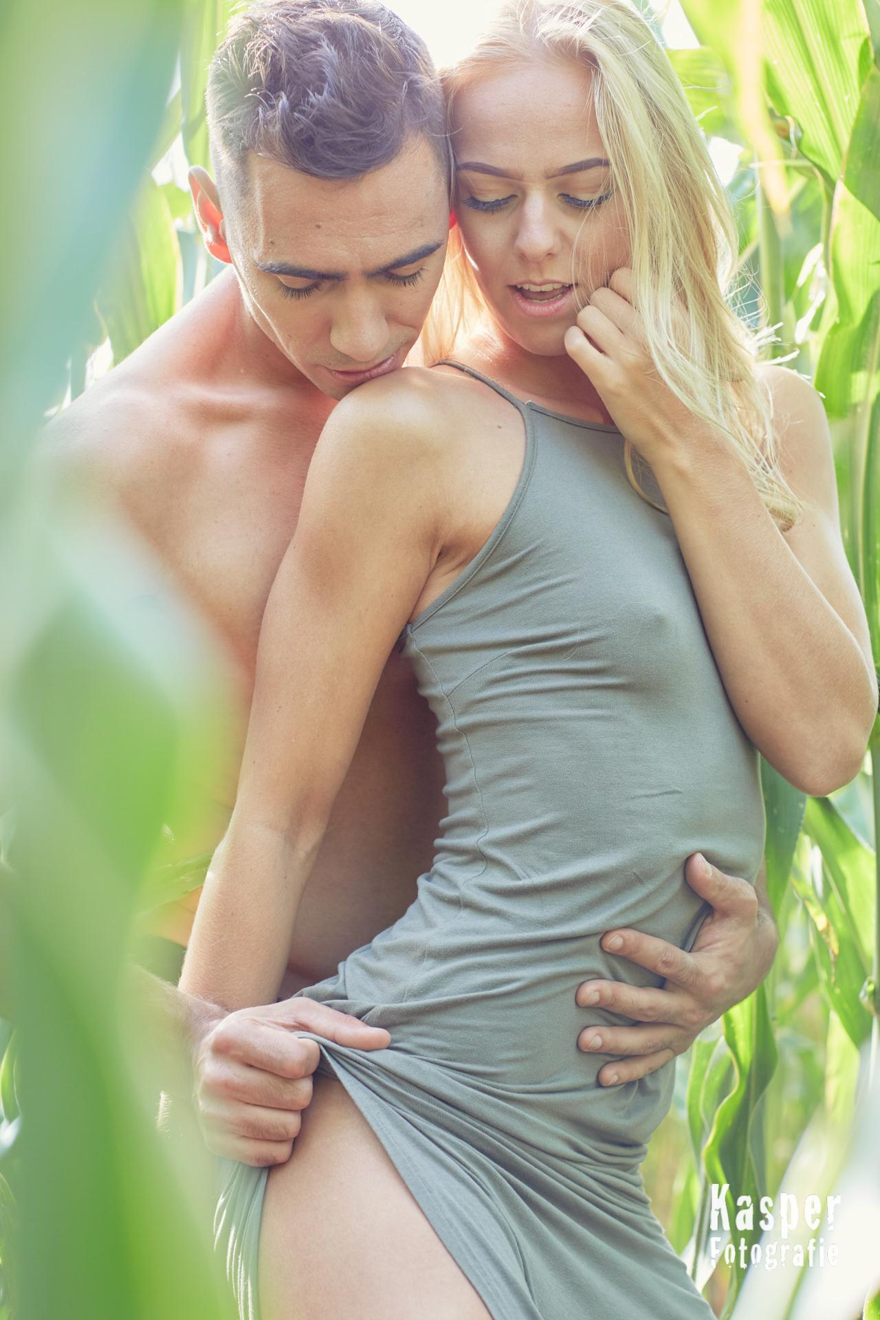 Hot Corn Couple